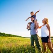 Семьям с ребенком хотят бесплатно выдавать земельные участки