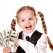 Богатенький Буратино: как отучить ребёнка от излишней щедрости?