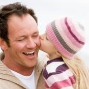 День отца станет в России официальным праздником