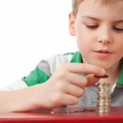 Подростки распоряжаются деньгами лучше взрослых