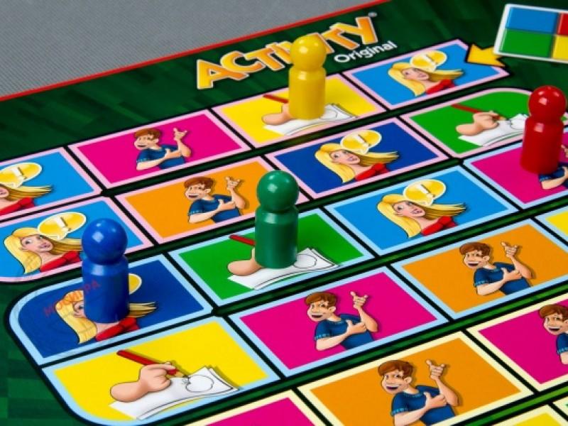 10 настольных игр для всей семьи